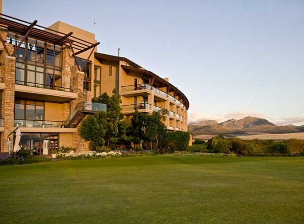 Golf breaks at Arabella Hotel & Spa, South Africa. GRD Rating: 8.7