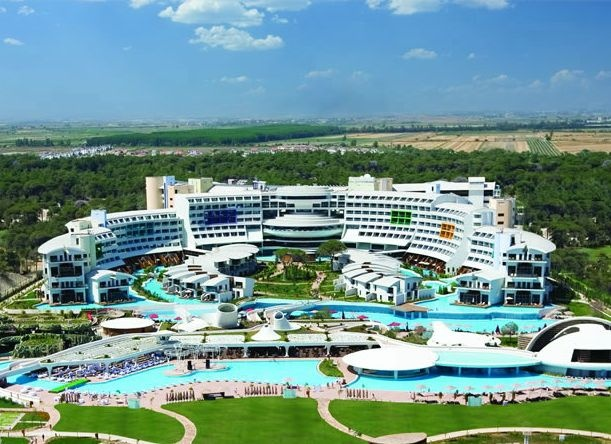 Golf breaks at Cornelia Diamond Golf Resort & Spa, Turkey. GRD Rating: 8.7