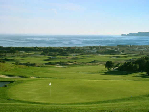 Golf breaks at Onyria Palmares Beach & Golf Resort, Portugal. GRD Rating: 8.5