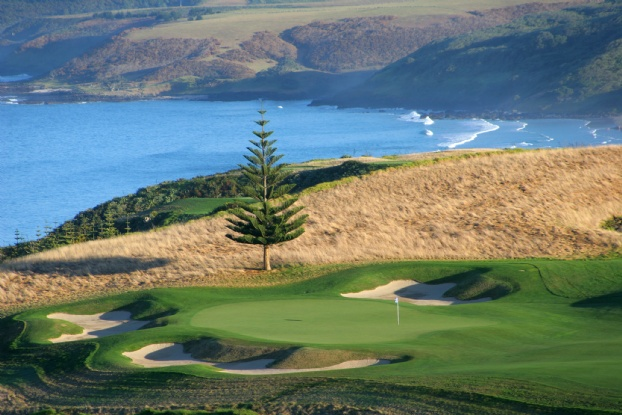 Golf breaks at Kauri Cliffs, New Zealand. GRD Rating: 8.8