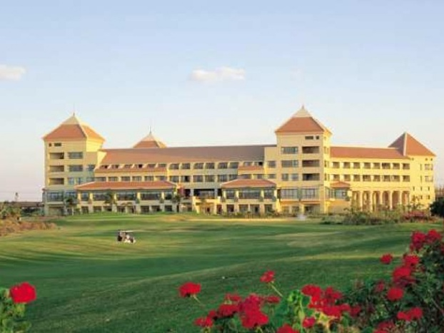 Golf breaks at Hilton Pyramids Golf Resort, Egypt. GRD Rating: 8.5